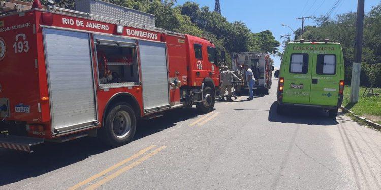 Corpo de Bombeiros socorrem vítimas de acidente de buggy em Búzios, no RJ — Foto: Reprodução/Redes sociais